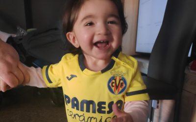 'Nuestra guerrera Zoe': El Villarreal colabora con la recaudación de fondos para que la pequeña pueda ser intervenida de una cardiopatía compleja